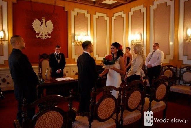 29 grudnia w Urzędzie Stanu Cywilnego w Wodzisławiu ślubów udzielał prezydent Mieczysław Kieca