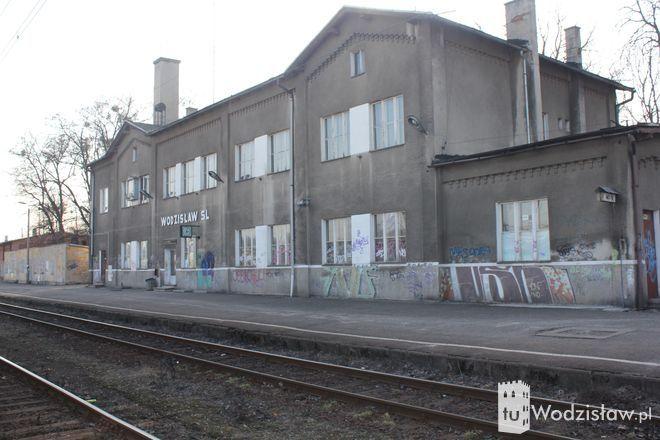 . Gdyby PKP oddało w ręce miasta dworzec, ten zostałby wydzierżawiony bądź wynajęty prywatnemu przedsiębiorcy