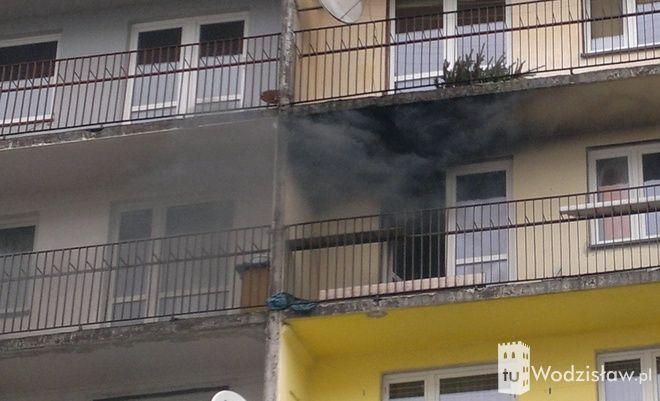 Zwarcie instalacji elektrycznej telewizora było przyczyną pożaru, do którego doszło dziś w jednym z bloków ma osiedlu XXX-lecia w Wodzisławiu