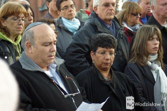 Grupa ponad 80 turystów zatrzymała się w Mszanie po drodze z Oświęcimia do Krakowa