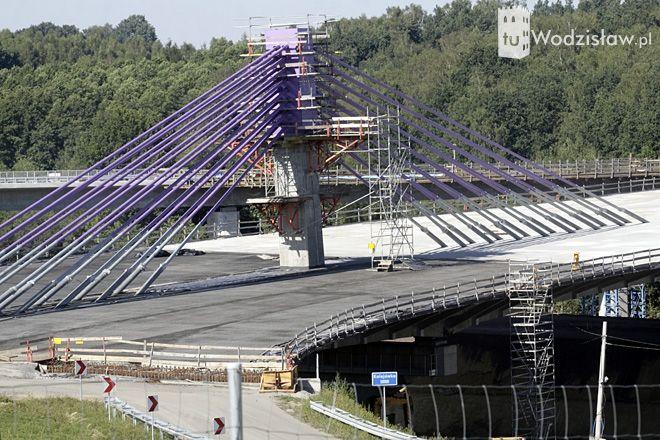 Przedłużająca się budowa autostrady A1 skutkuje wieloma problemami na drogach w gminie.