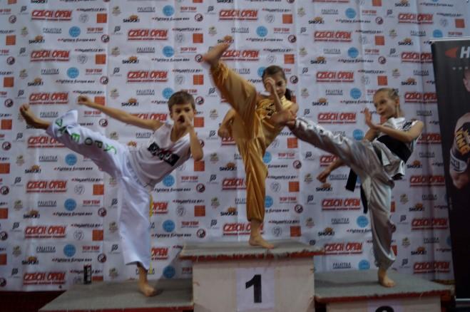 Sukces walecznych zawodników FC Ronin w Pradze, FC Ronin