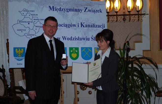 Jubileusz był okazją do wręczenia odznaczeń ''Zasłużony dla województwa śląskiego''. Złota odznaka  trafiła do MZWiK