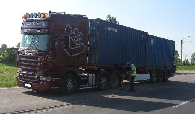 Tylko dwa dni kontroli samochodów ciężarowych prowadzonej na drogach powiatu wodzisławskiego zasiliło kasę państwa o ponad 60 tysięcy zł.