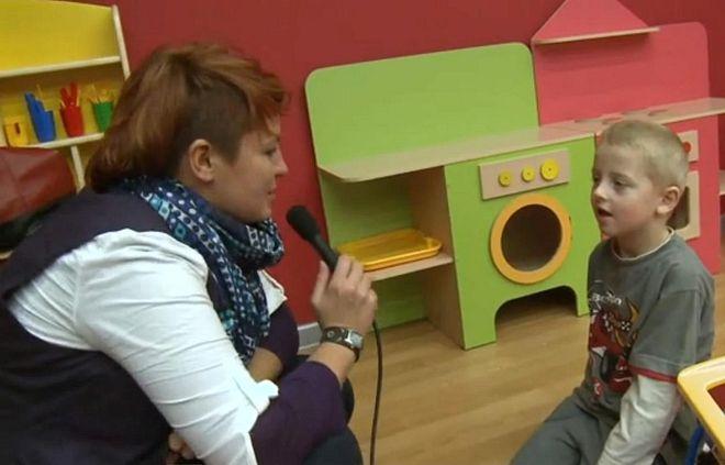 Nasza reporterka Iza Grela w rozmowie z małym Arturem z Przedszkola w Marklowicach