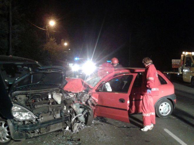 Uratował życie kobiecie, ale spowodował kolizję 3 samochodów , KPP Wodzisław