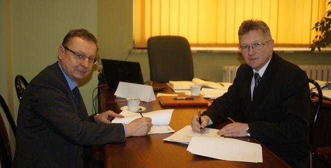 Firma Remont-ex wygrała przetarg na realizację projektu ''Kompleksowa rewitalizacja centrum Połomi''. Umowę podpisano wczoraj w Urzędzie Gminy Mszana