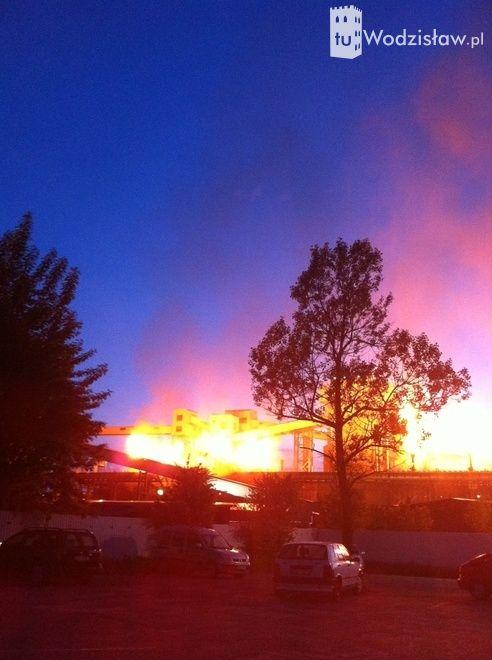 Kotły koksowni Radlin około godziny 20.00 stanęły w potężnych słupach  ognia. Łuna była tak duża, że oświetlała pół miasta