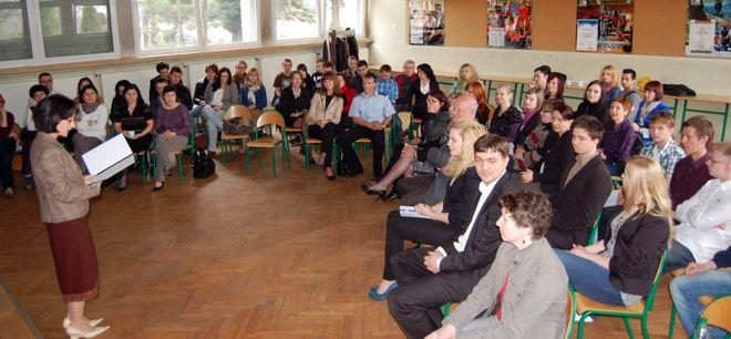 Intencją organizatorów rozmów jest interdyscyplinarne spojrzenie na problemy, które dotyczą nas wszystkich