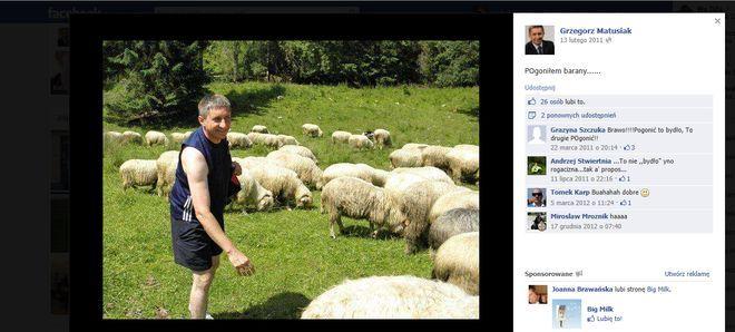 Zamieszczone na oficjalnym profilu FB zdjęcia świadczą, że poseł lubi konkurować z Platformą Obywatelską (której członkiem jest Mieczysław Kieca)