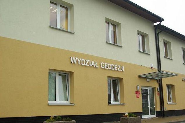 Ruszyła modernizacja ewidencji w Gorzycach. Geodeci zapukają do drzwi mieszkańców,