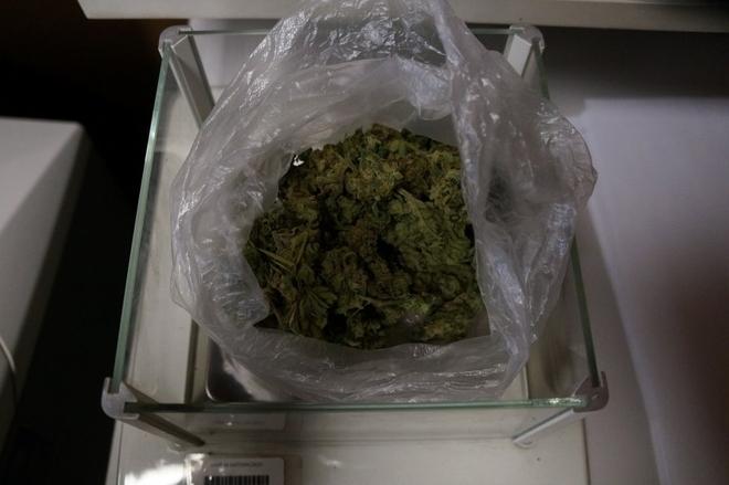 Policjanci znaleźli u kierowcy woreczek z marihuaną, Policja