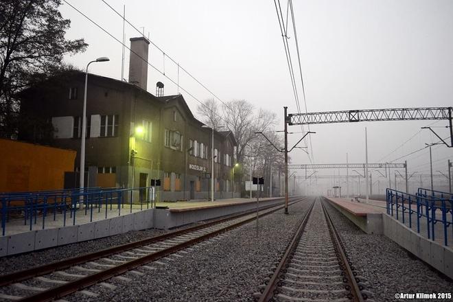 Podróżni w Wodzisławiu korzystają już z nowych peronów, Artur Klimek