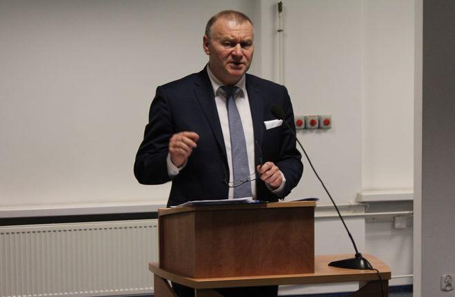 Radni powiatowi zadecydowali: Tadeusz Skatuła odwołany z funkcji starosty, mk