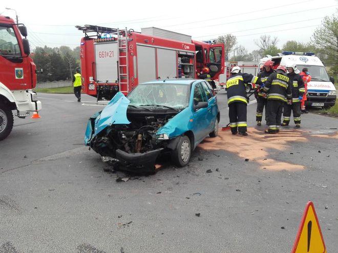 Wypadek na feralnym skrzyżowaniu w Syryni. Trzy osoby trafiły do szpitala, kpt. Damian Dylewski, źródło: straż pożarna