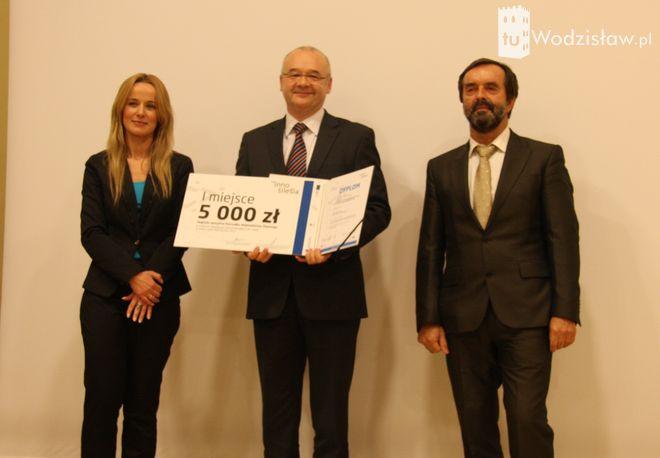 Firma PREVAC z Rogowa nagrodzona w dwóch konkursach , materiały prasowe