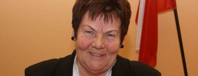 Order Serca Matki Wsi za zasługi dla rozwoju sołectwa odebrała Maria Trojan, szefowa połomskiego Koła Gospodyń Wiejskich, radna Gminy Mszana - 2751_big
