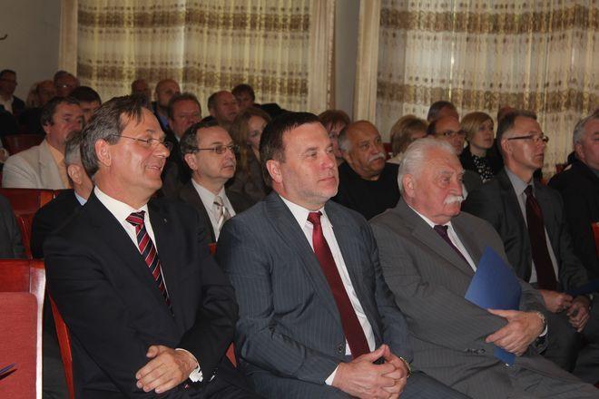 Izby gospodarcze z Wodzisławia, Żor, Raciborza oraz Forum Firm Miasta Radlin podpisały umowę, na mocy której stworzyły Śląskie Partnerstwo Gospodarcze