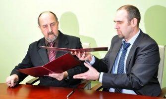 Z chwilą podpisania umowy partnerstwo nabrało formy oficjalnej