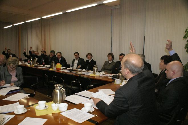 Radni przyjęli budżet na 2012 rok