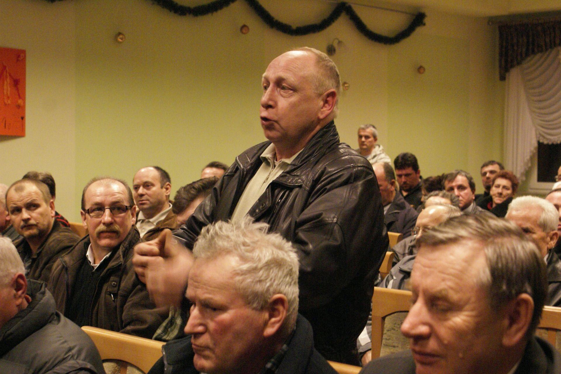 Mieszkańcy Polomi w sprawie zamknięcia drogi spotkali się z władzami gminy