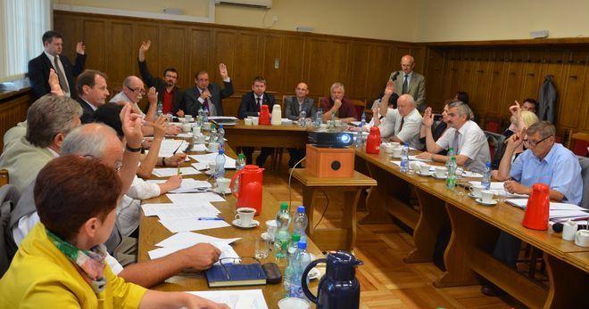 Oficjalne wyniki: M. Kieca i Rada Miasta bezpieczni. Frekwencja niższa niż przed tygodniem, ig