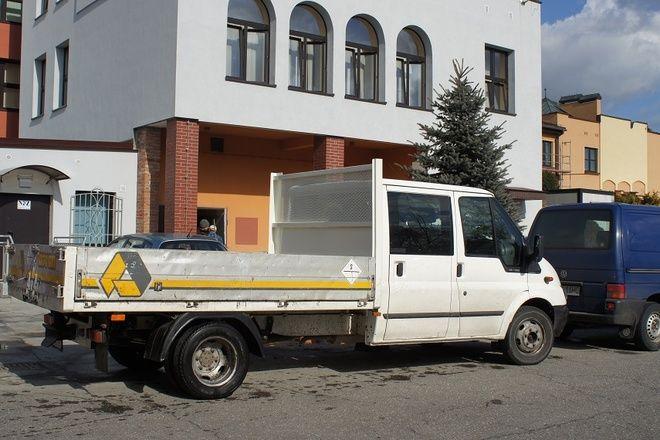 Urząd Gminy wzbogacił się o nowy samochód dostawczy, który będzie wykorzystywany głównie przy pracach porządkowych
