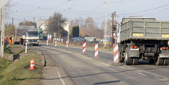 Na drogach gminnych rozpoczęły się roboty związane z bieżącymi remontami