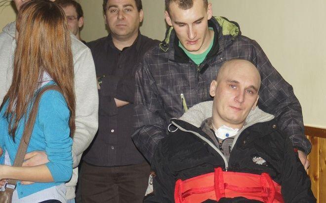 W połowie imprezy na wszystkich czekała niespodzianka - na sali zjawił się sam cichy bohater wydarzeń - Tomek Polnik z najbliższą rodziną
