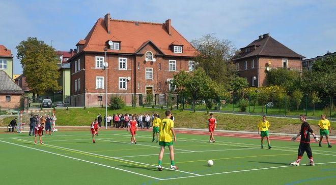 Przyszkolne boisko przy Gimnazjum nr 1 w Radlinie zostało uhonorowane tytułem ''Boisko na medal 2012''