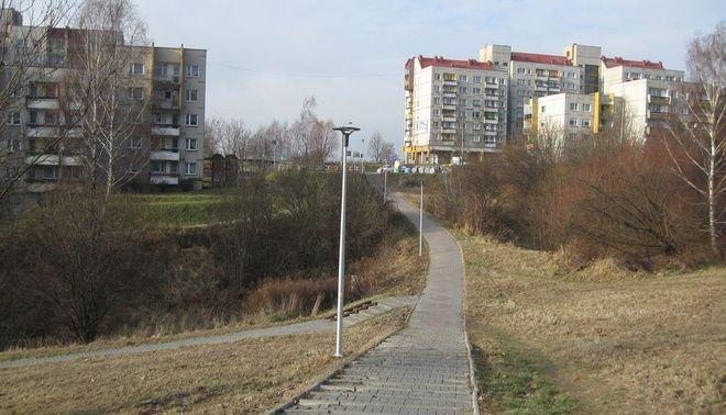 Oświetlenia dróżek spacerowych doczekali się w końcu mieszkańcy osiedli XXX-lecia i Piastów