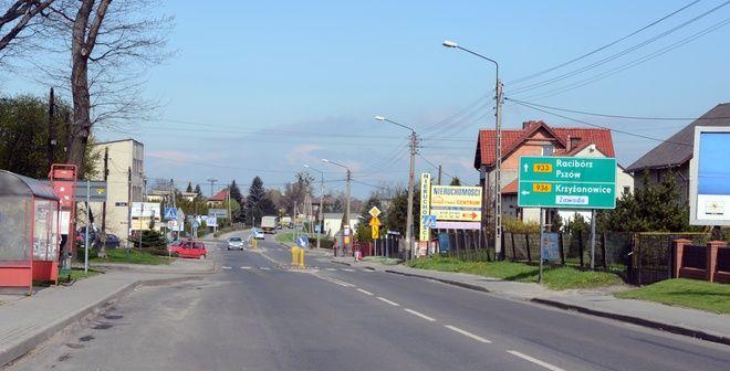 W dzielnicy Wodzisławia - Kokoszycach o każdej godzinie tir jedzie za tirem