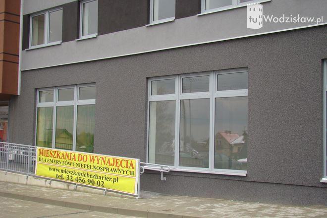 W Wodzisławiu wybudowali nietypowy blok bez barier, mk
