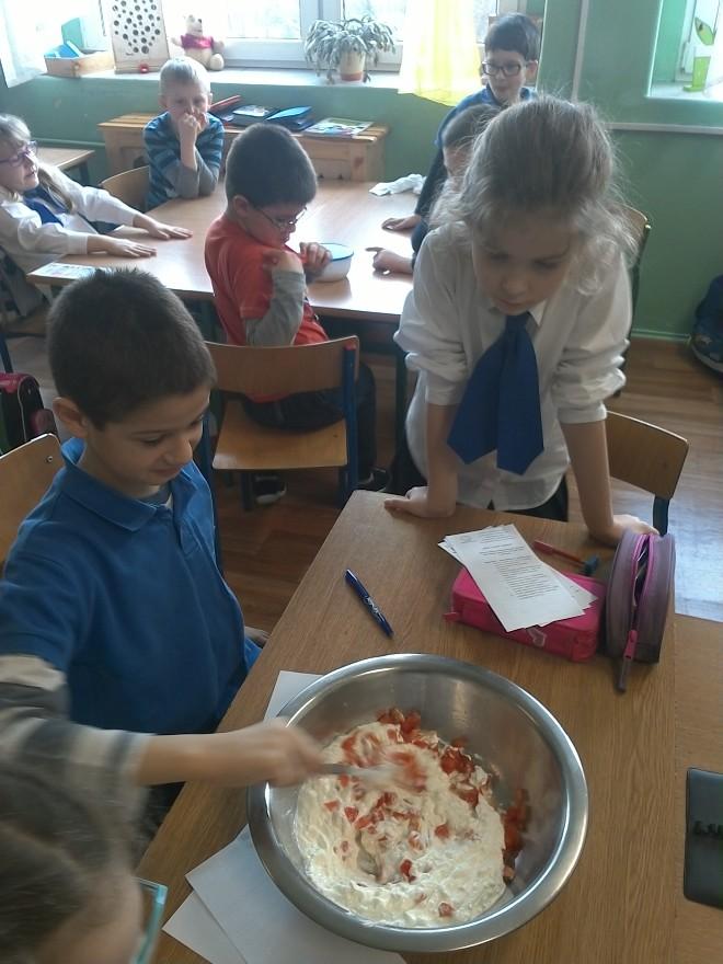 Uczniowie podstawówek nauczyli się jak jeść zdrowo, materiały prasowe