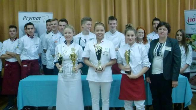 """Uczennica """"Ekonomika"""" nie dała szans konkurencji w Beskidzkim Konkursie Młodych Kucharzy , materiały prasowe"""