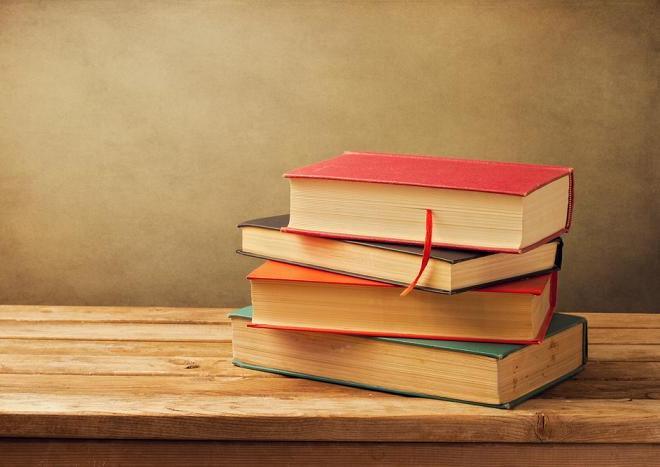 Książkowe bestsellery trafią do mszańskich bibliotek , materiały prasowe UG Mszana
