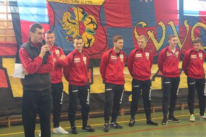 ./pliki/v2/sport/pilka_nozna/Odra/jakosz_odra_przemowa.jpg