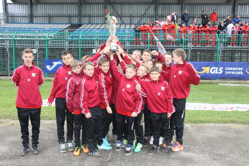 Mlodzieżowy Klub Piłkarski Odra Centrum otrzymał największą dotację prezydenta - 110 tys. zł.