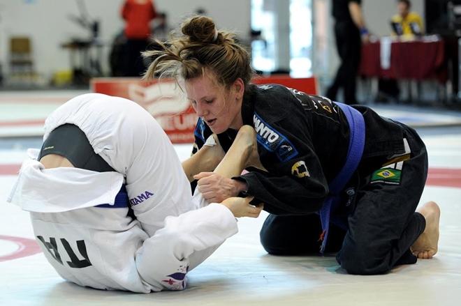 http://www.tuwodzislaw.pl/pliki/v2/sport/sporty%20walki/snadrapniak.jpg