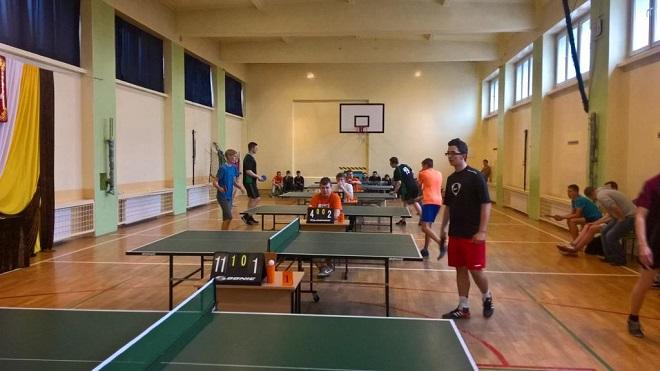 Krzysztof Marciniec z Gimnazjum nr 2 w Wodzisławiu Śląskim zwyciężył powiatowy turniej tenisa stołowego w kategorii indywidualnej