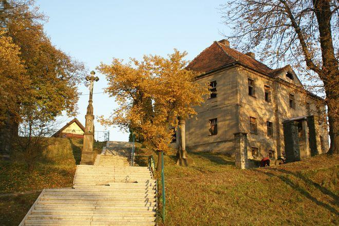 Budynek starego probostwa ma wykorzystać Caritas Polska.