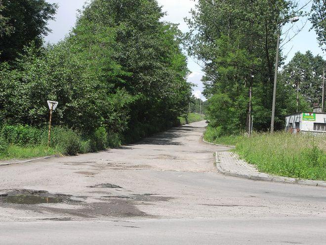 Droga dojazdowa do strefy przed remontem