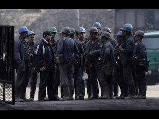 Sześciu górników i dziesięciu ratowników nagrodzono za przeprowadzenie akcji ratowniczej.
